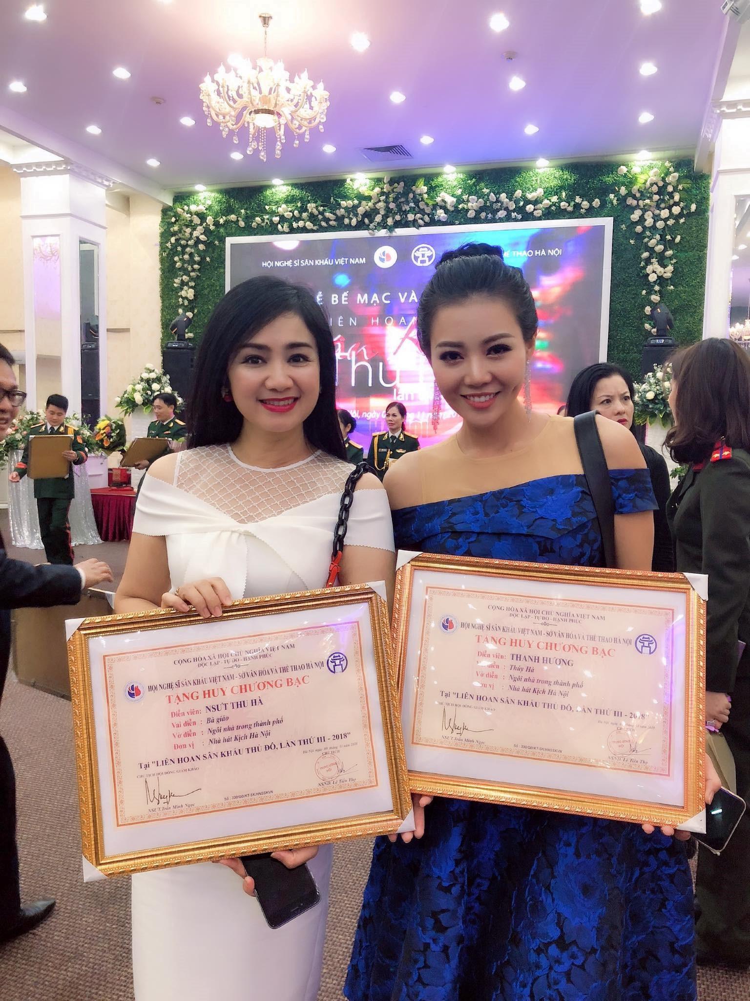 NSƯT Thu Hà 'lá ngọc cành vàng' đoạt huy chương bạc với vai bà giáo